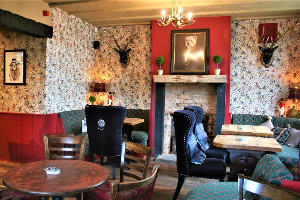 bar area at the gate inn sutton-cum-lound